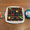 Quand on laisse les enfants décorer le gâteau ... ;-)
