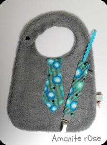 Bavoir cravate et attache tétine petit pan coquelicots turquoises