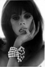 Jean_Shrimpton-1965-06-by_bert_stern-1
