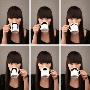 Moustache-tasse