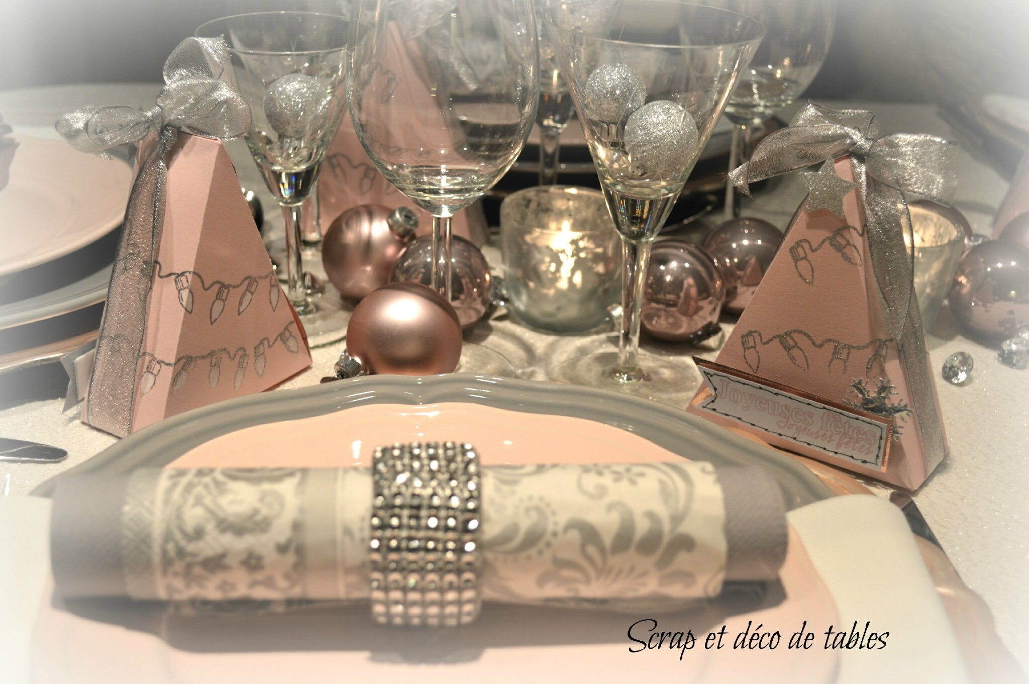 Calendrier De L 39 Avent J19 Deco De Tables De No L Rose Et Gris Scrap Et D Co De Tables