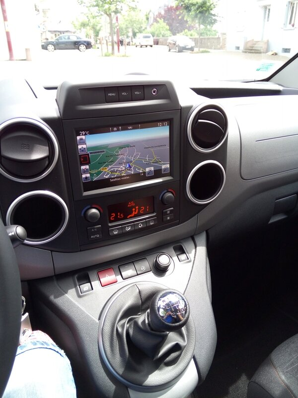 Berlingo shine bluehdi 120 Gps radio mp3