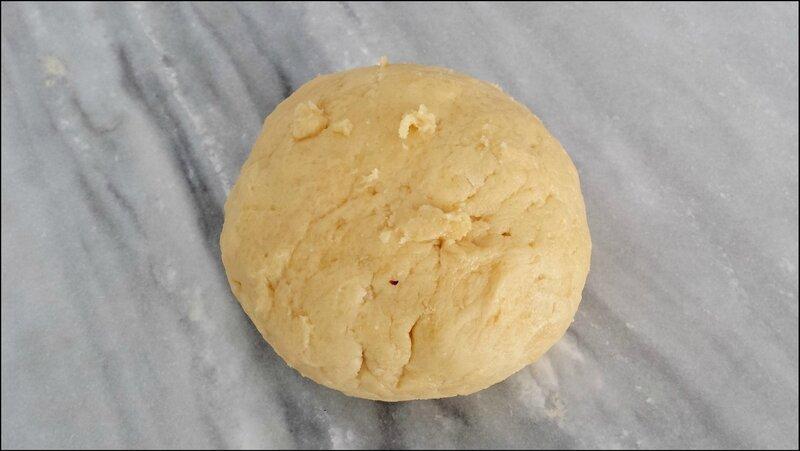 Boule de pâte sucrée
