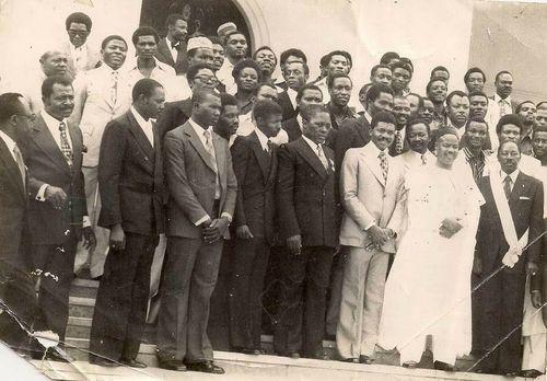 Ahidjo et Tonnere kalara en 1975