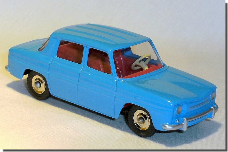 Dinky Atlas Renault R8 bleue A 02