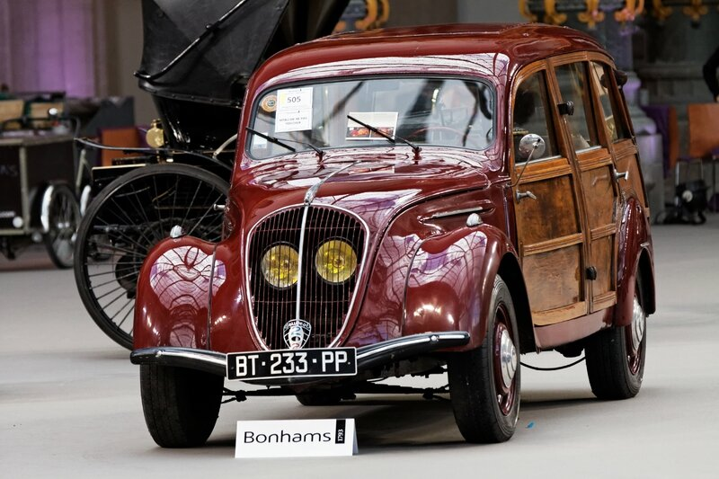 Paris_-_Bonhams_2013_-_Peugeot_202_Canadienne_camionette_boisée_-_1948_-_010