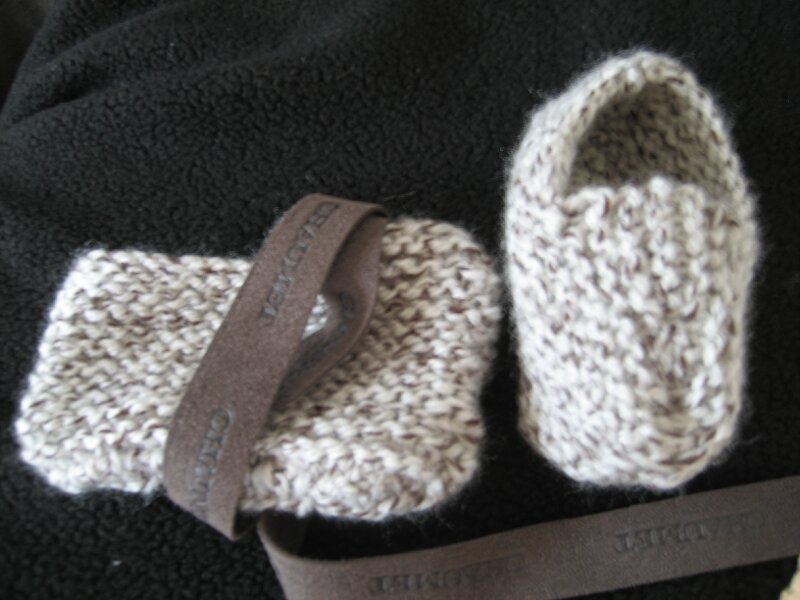 Petits chaussons faits par Caroline