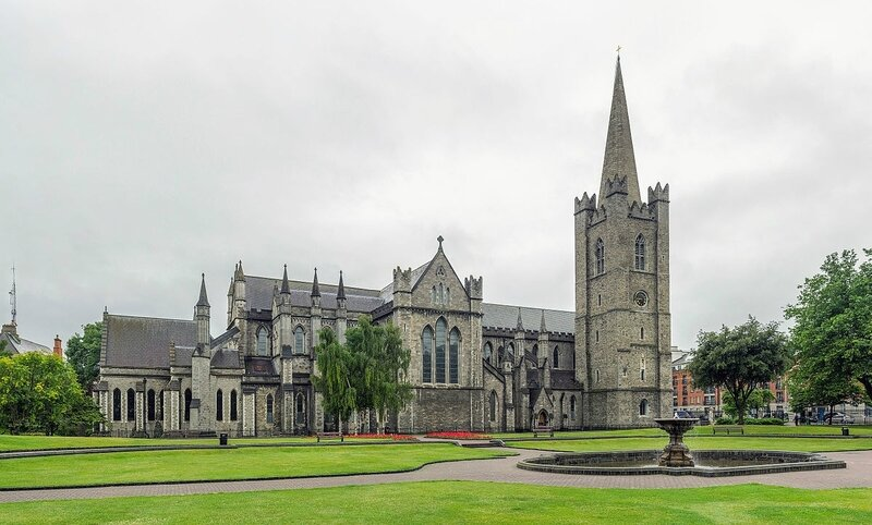 St_Patrick's_Cathedral_Exterior,_Dublin,_Ireland_-_Diliff