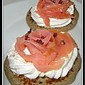 Blinis au saumon, crme citronne...