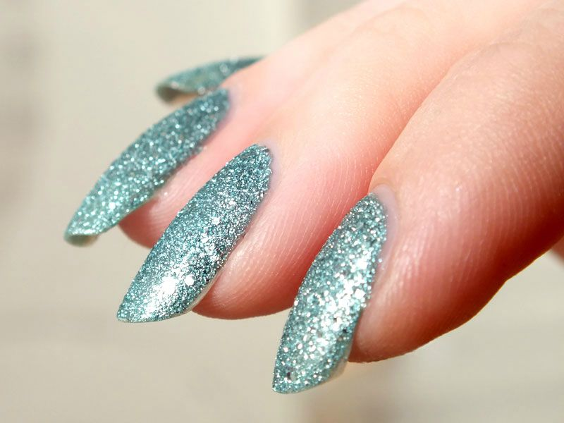 vernis-sable-claires-sand-nail-polish-bleu-paillettes-glitters-test-swatch-avis-winter-hiver-neige-ongles (7)