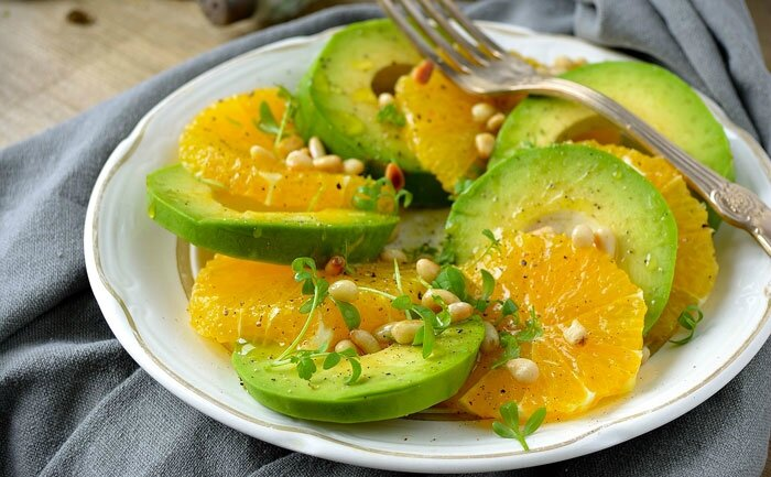 salade avocat orange et pignons de pin