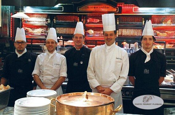 LES_GRANDS_BUFFETS_a_NARBONNE_les_cuisiniers