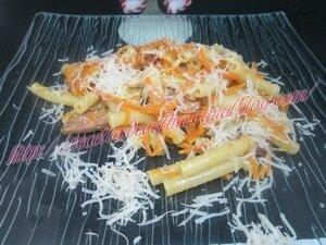 Macaronis aux carottes & à la saucisse25