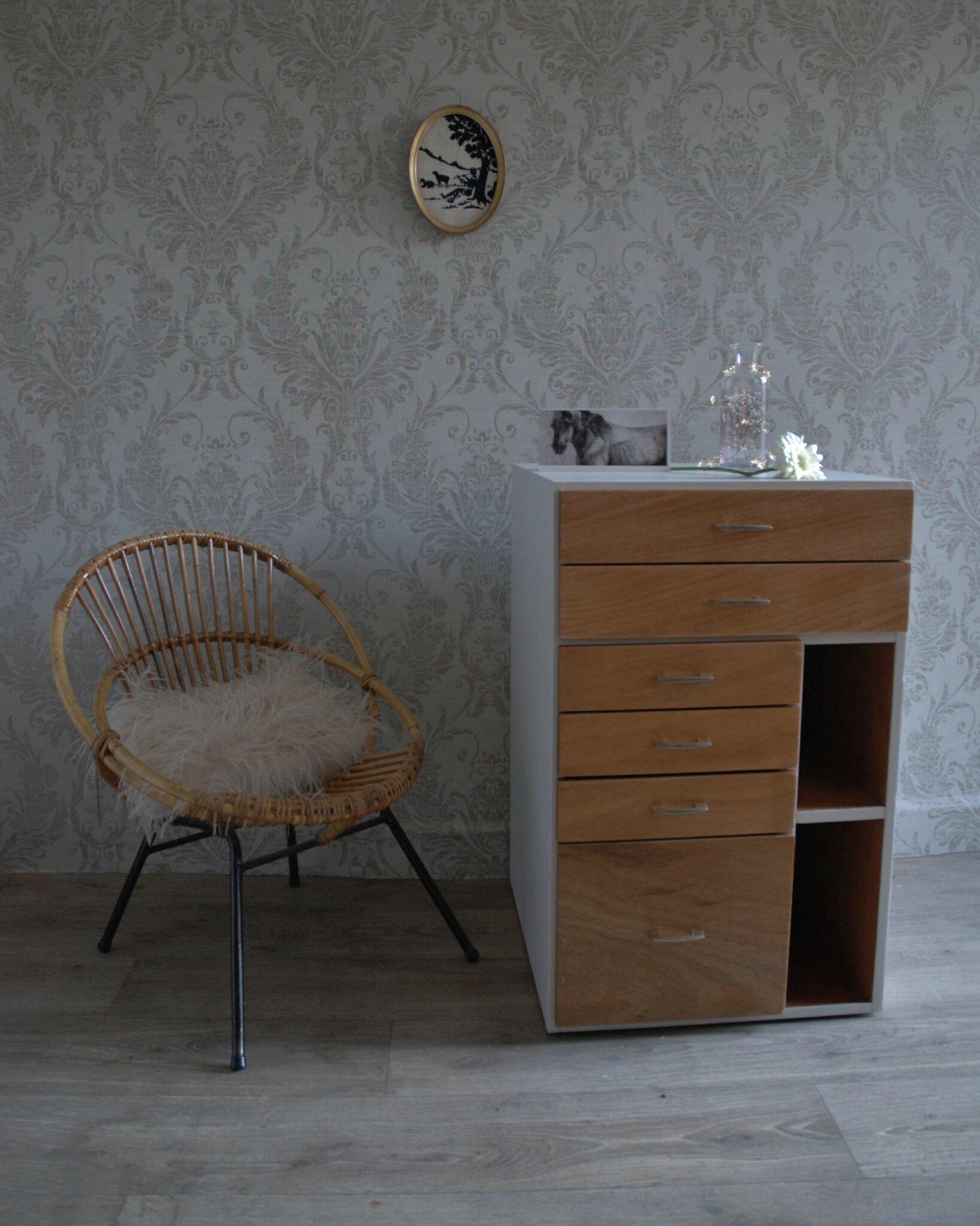 atelier vintage. Black Bedroom Furniture Sets. Home Design Ideas