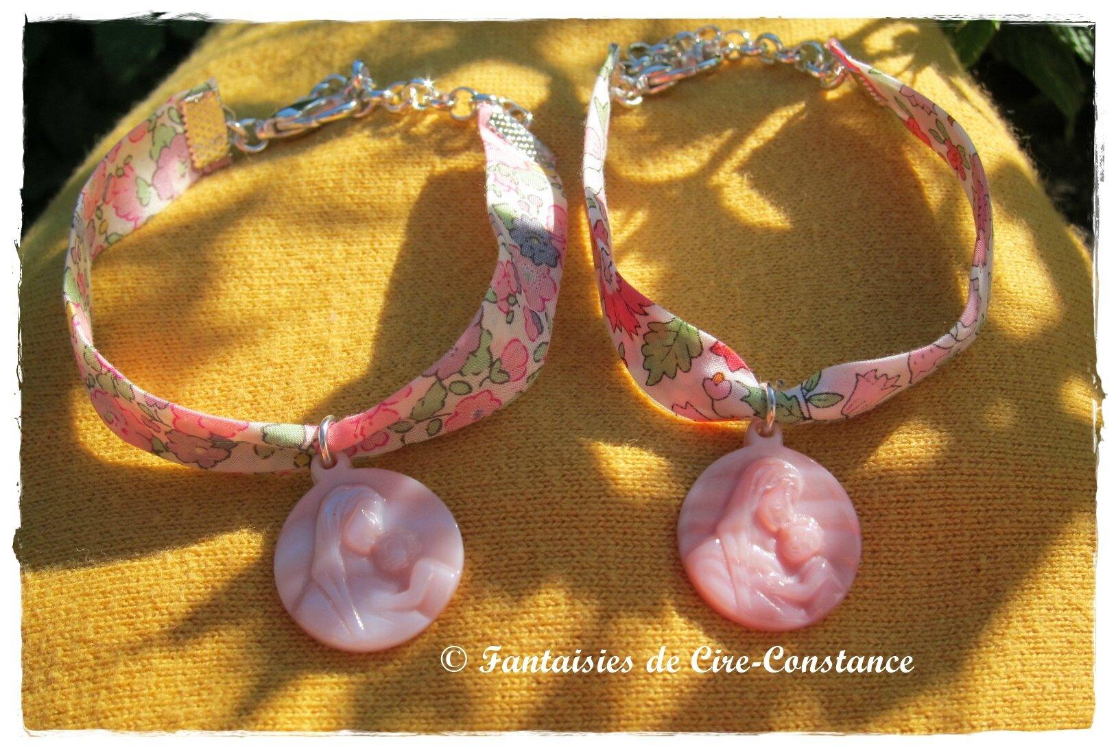 Bracelets Vierge enfant nacre rose