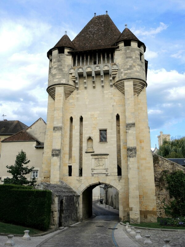 Nevers, porte du Croux A(58)