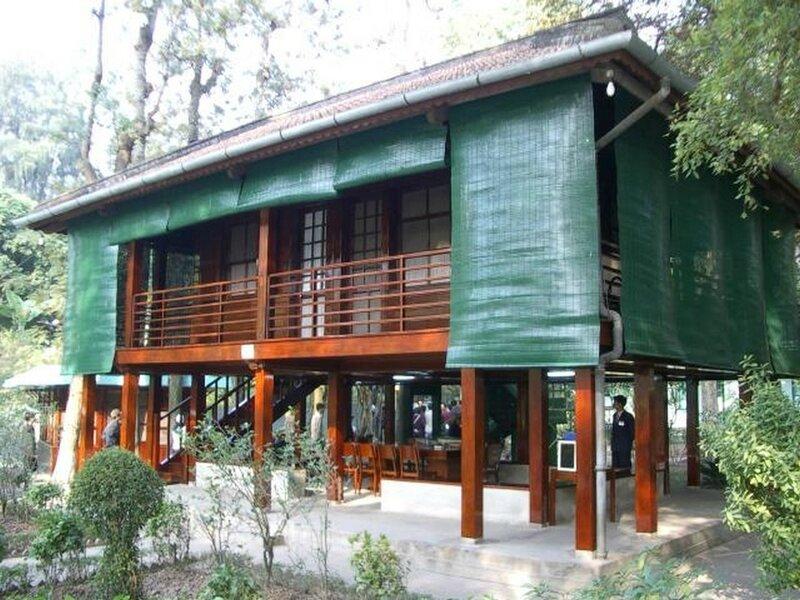5-maison sur pilotis d'Ho Chi Minh (origine wikipédia)