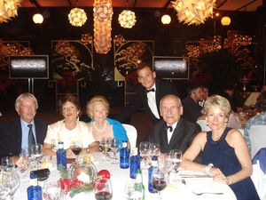 amaury_et_sa_famille_au_diner_de_gala__50__