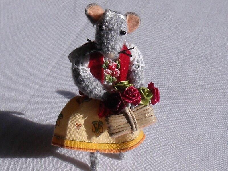 souris panier de fleur 1
