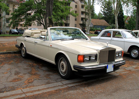 Rolls_Royce_silver_spur_mark_II_convertible_de_1989___version_US____Retrorencard_mai_2010__01__2_