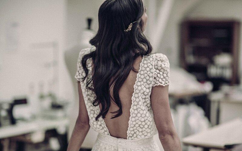 Laure-de-Sagazan-robe-de-mariee-courte-dos-nu-2016-rose-fantaisie-blog-mariage