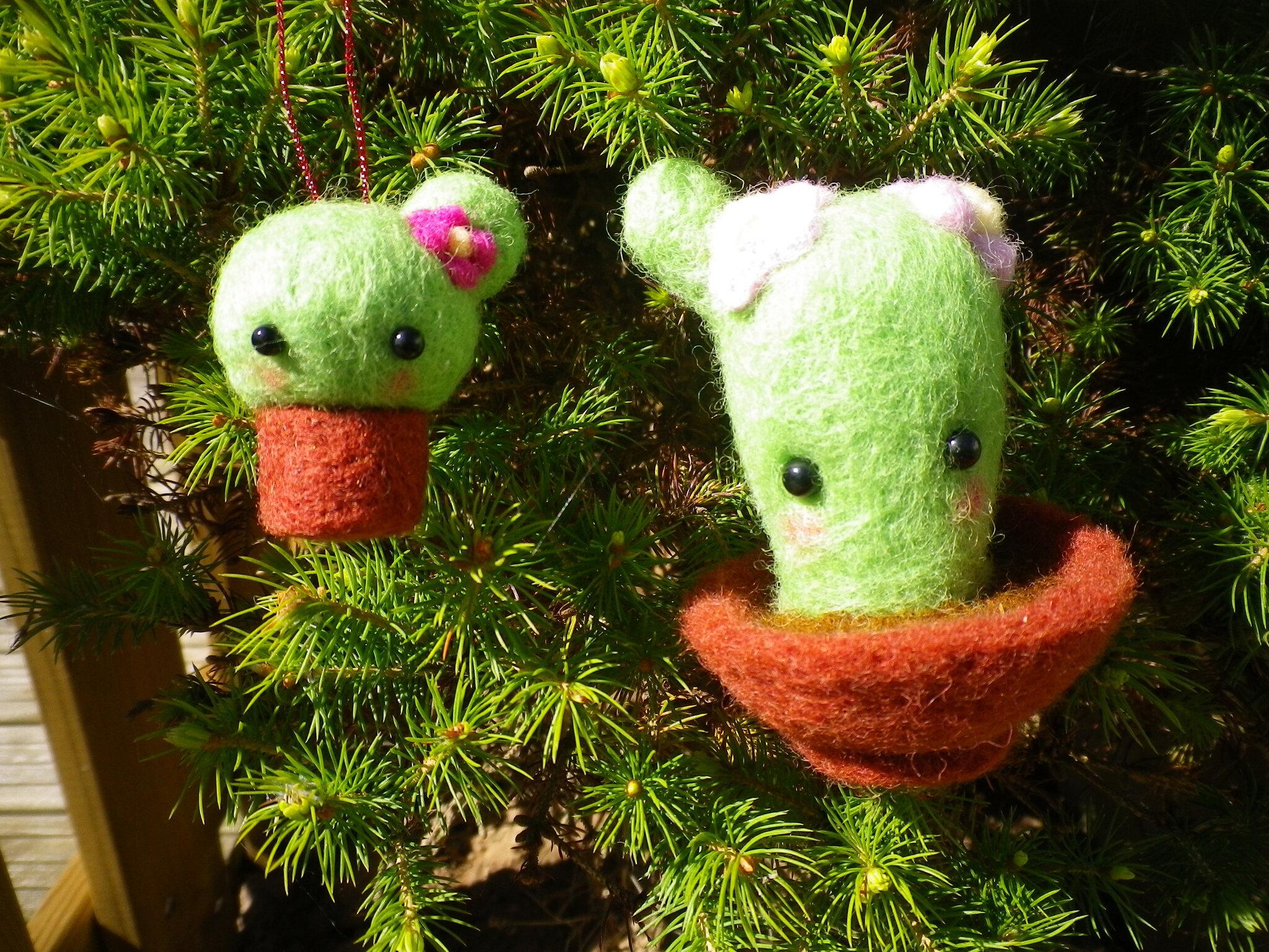 pas à pas de cactus kawaii en laine cardée