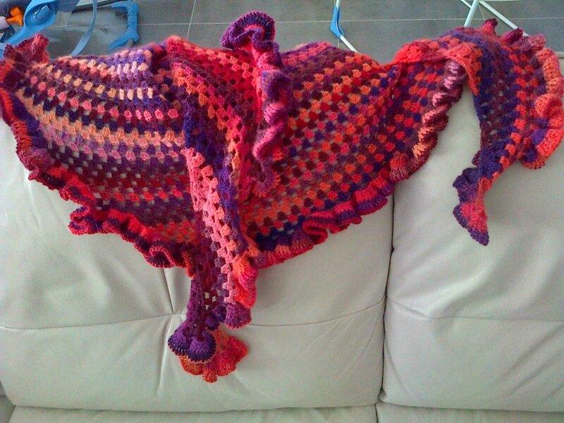 Flamenco shawlette 1