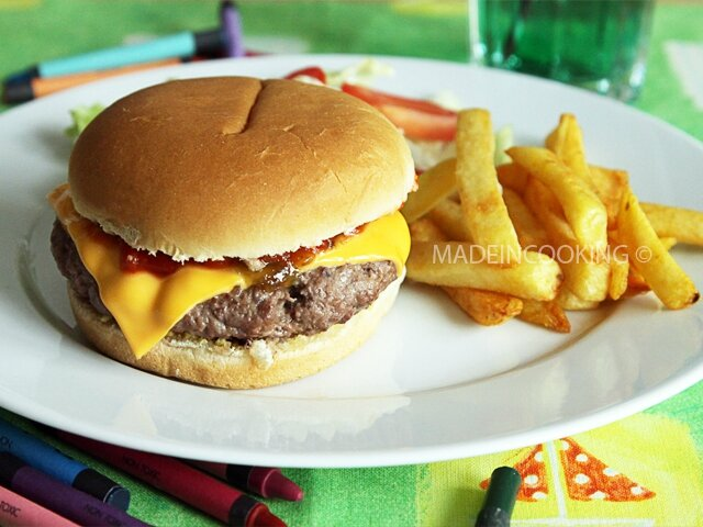 cheeseburger fa on mcdo made in cooking. Black Bedroom Furniture Sets. Home Design Ideas