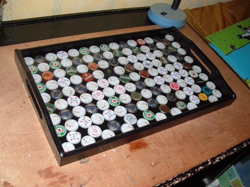 Plateau avec des capsules de canette de bi re meumeu life - Que faire avec des capsules ...