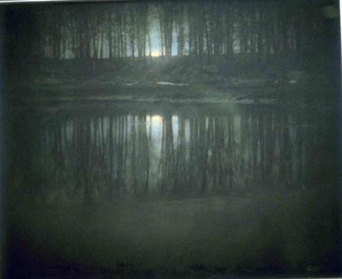 56. Edward STEICHEN, The Pond-moonlight, Une mare de Long Island, New York, 1904.