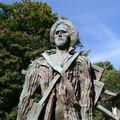 05-statue van-gogh