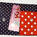72. pochette à cartes rouge et violette - intérieur