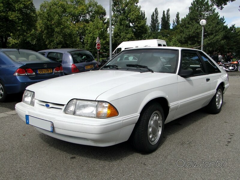 ford-mustang-lx-hatchback-1987-1993-a