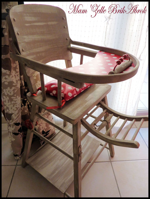 Ancienne chaise haute r nov e 39 sweet 39 mam 39 zelle brikabrok - Chaise bebe qui s accroche a la table ...