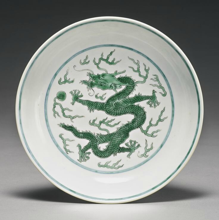 A green and black-enameled 'Dragon' dish, Daoguang seal mark and period