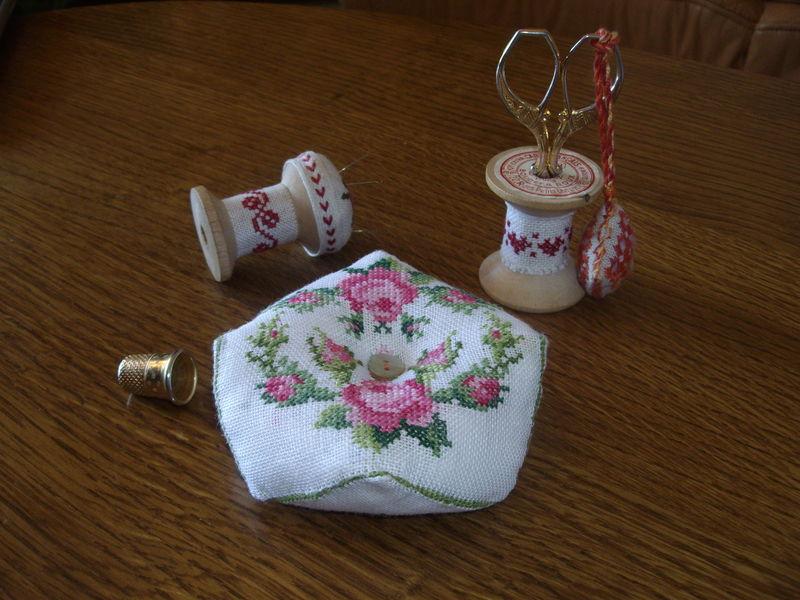 biscornu boutons de roses 8