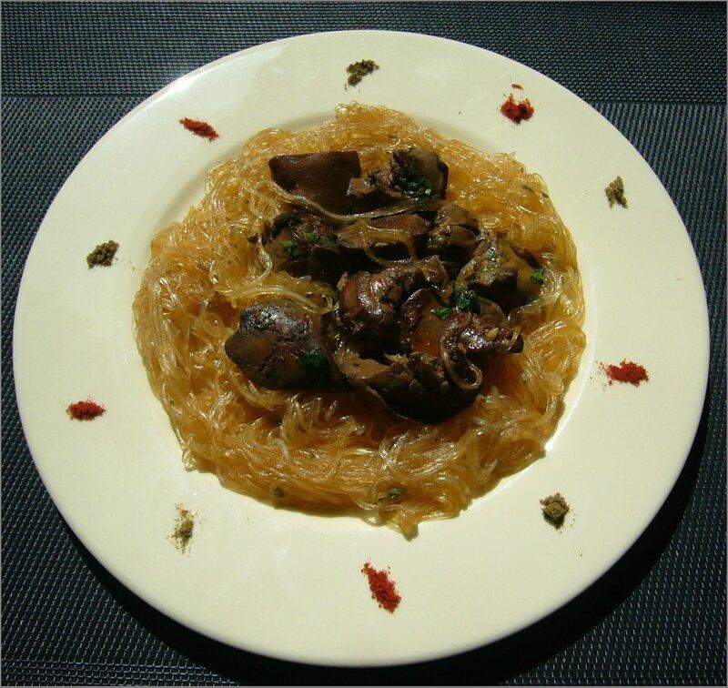 Cassolette de foies de volailles aux vermicelles