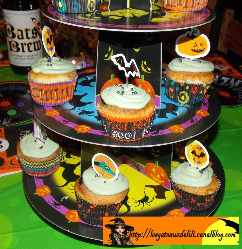 2013 10 23 - cupcakes et table halloween (2)
