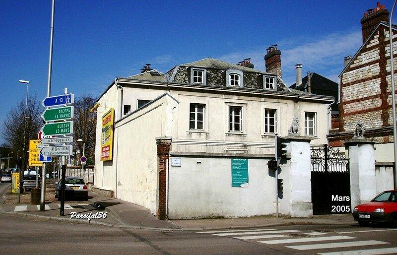 Rue d'Elbeuf-Mars 2005