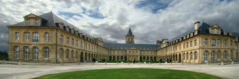 880px-Normandie_Calvados_Caen1_tango7174