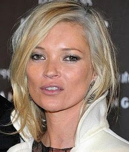 kate_moss_cheveux_blancs