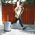 Cowarobot r1, la valise-robot autonome qui vous suit à la trace