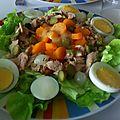 Salade de batavia carottes cuites , thon et œufs durs