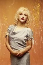 courtney_love-1993-by_kevin_cummins-1-4