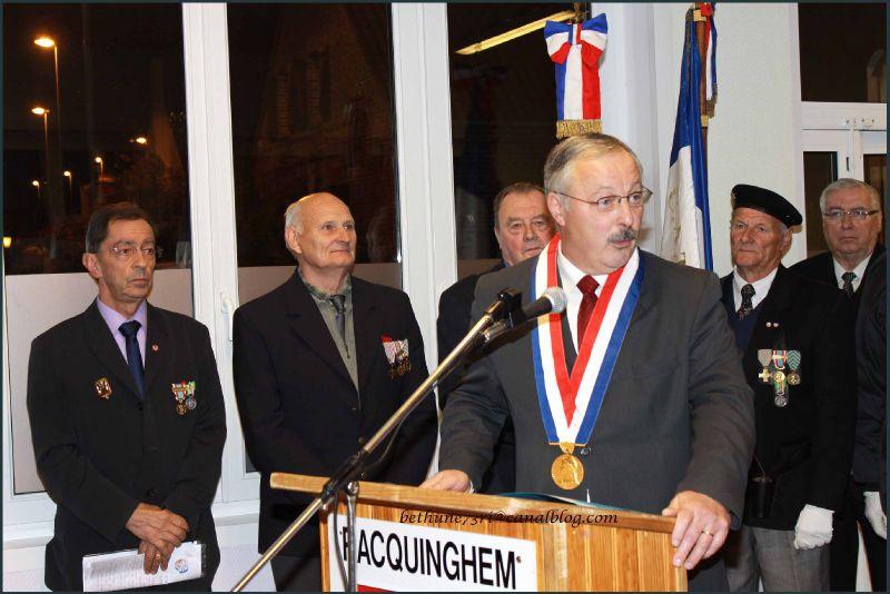 Mr Idzik, maire de Racquinghem
