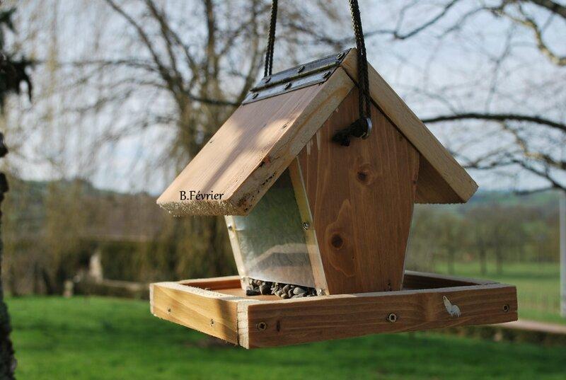 Mangeoire pour les oiseaux