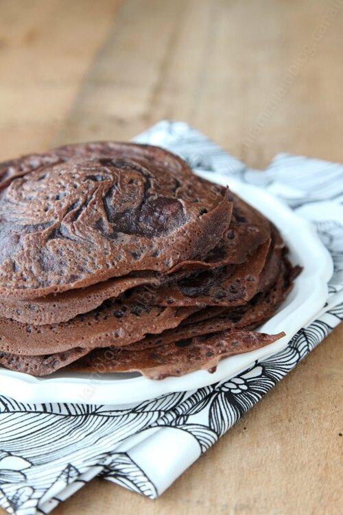 La recette des crêpes fines, moelleuses et légères nature, chocolat ou pistache