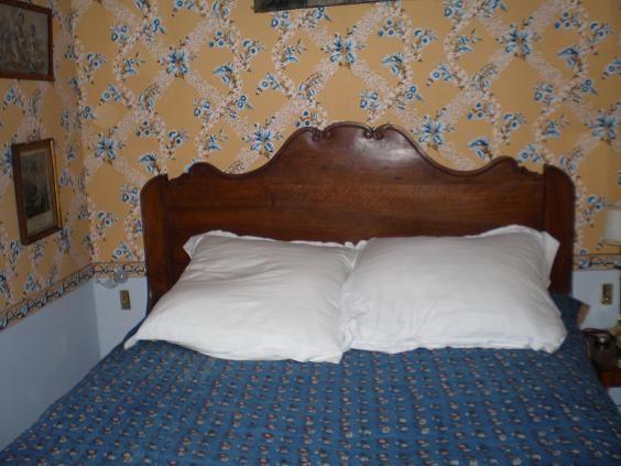 Nouveau lit proven al pour la petite chambre tontisse - Lit provencal ...