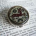 Pilulier vintage motif biche