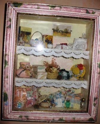 vitrine rose photo de vitrines miniatures lacaudryfolies. Black Bedroom Furniture Sets. Home Design Ideas
